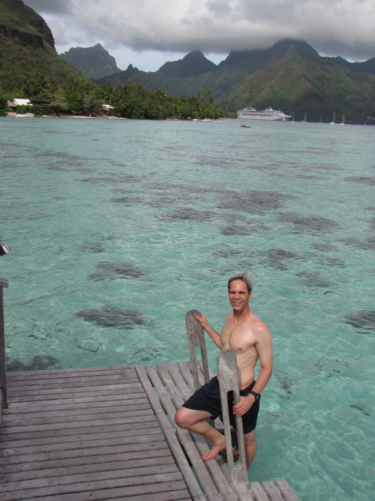 J chillin' in Mo'orea