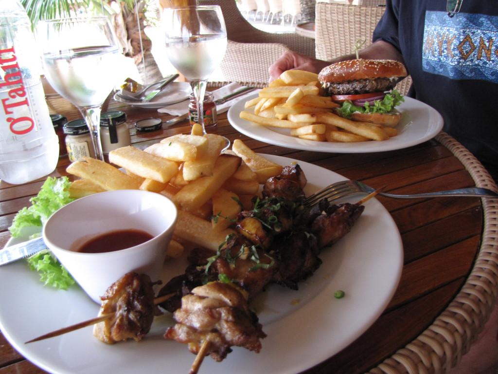 American food in Mo'orea