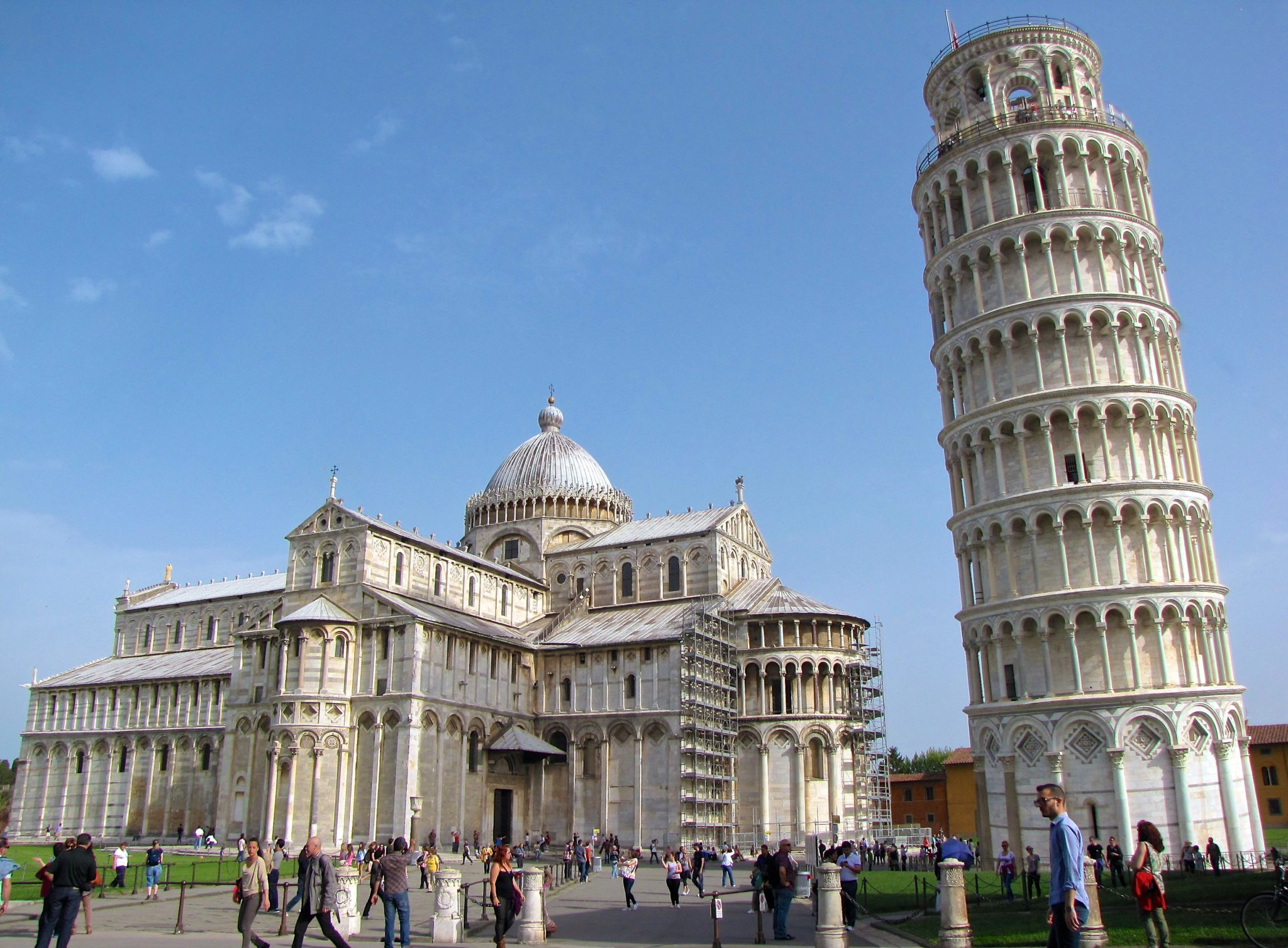 The Iconic Structures of Pisa