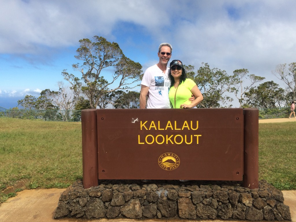 Kalalau Lookout sign