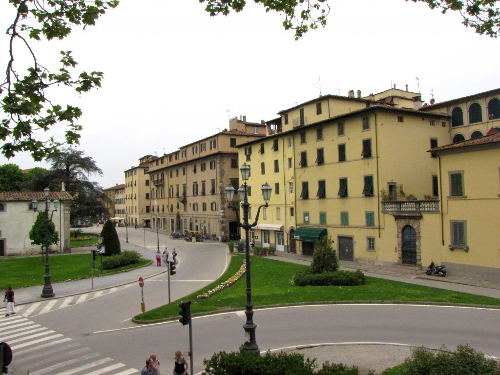 Lucca entrance