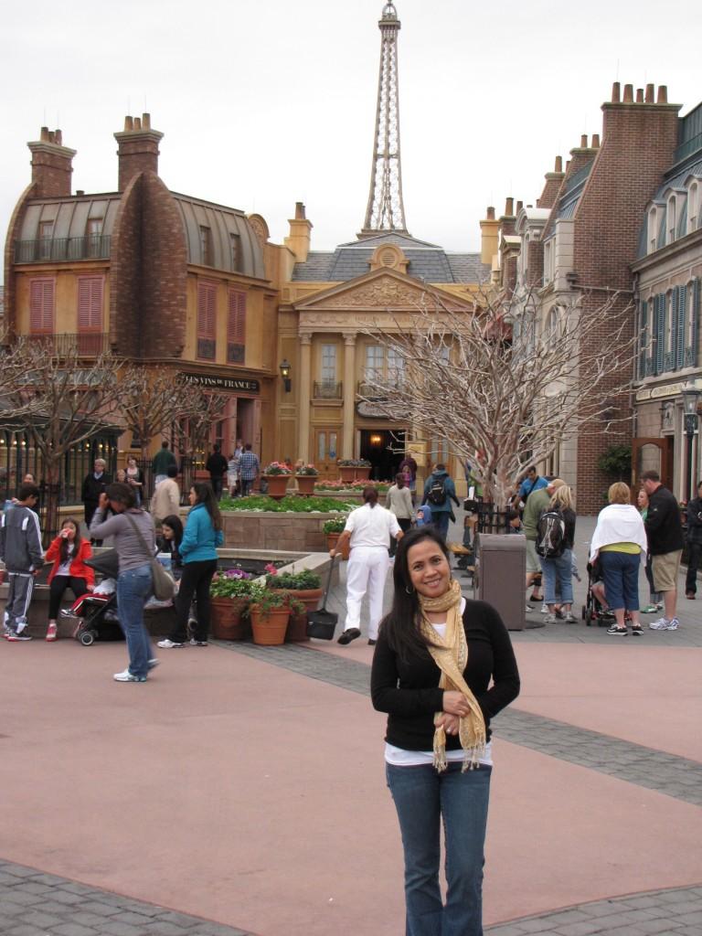 I'm in Paris, Epcot Center