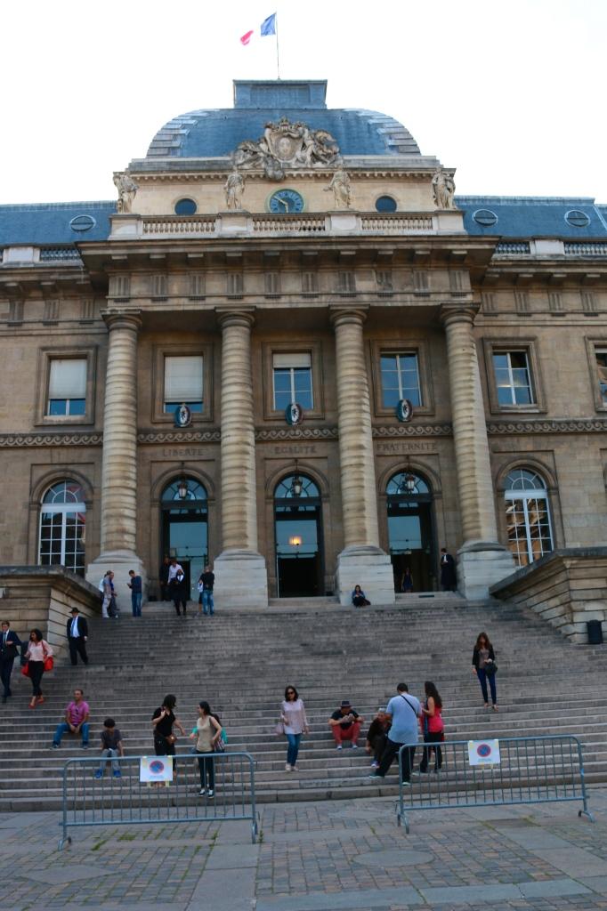 E at the Palais Justice