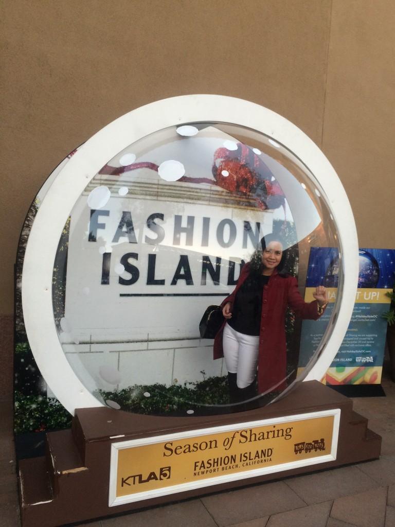 Fashion Island at Christmas