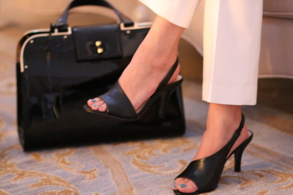 Black Nine West sandals