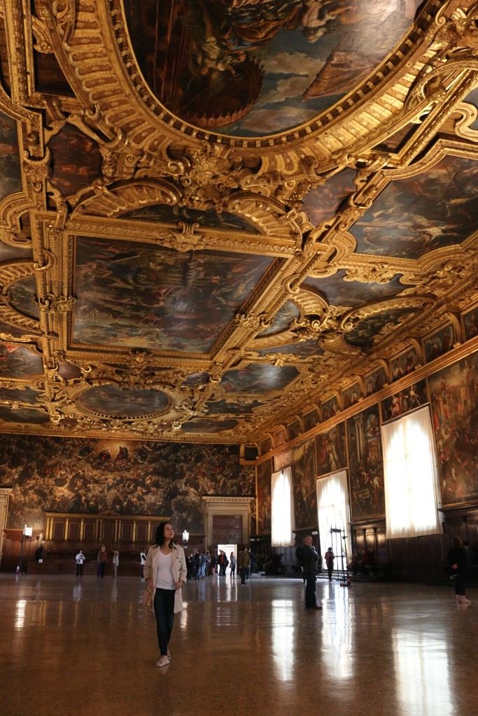 Awesome ceiling frescos