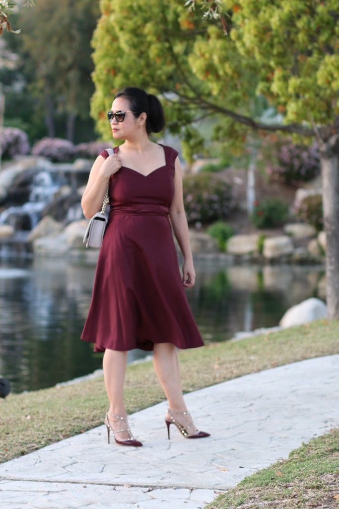 How to style a burgundy dress in the spring