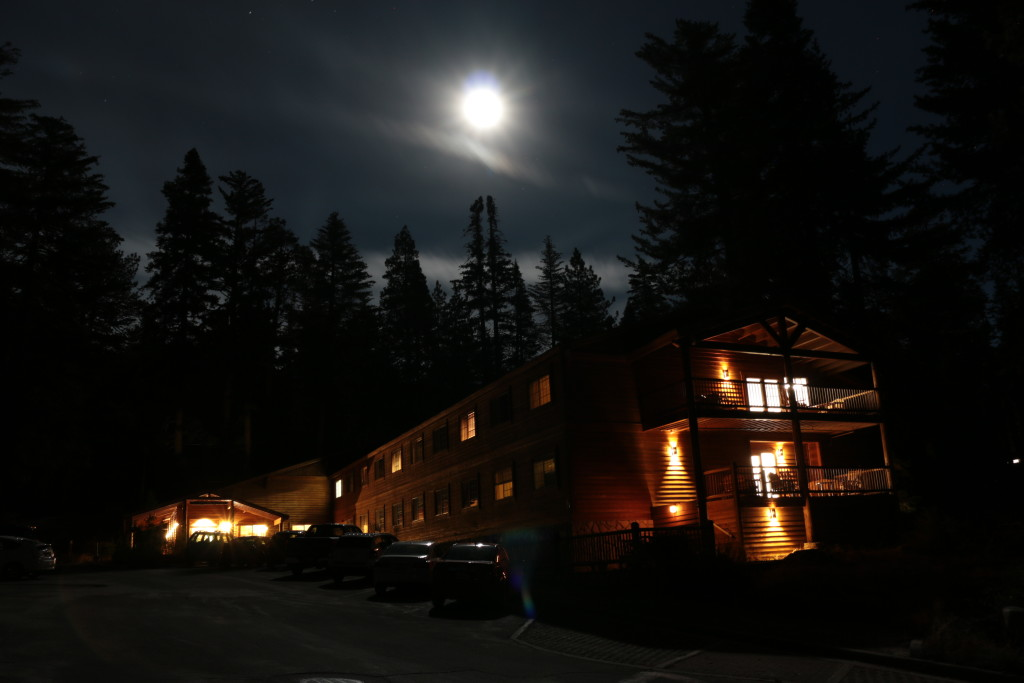 Full moon in Kings Canyon